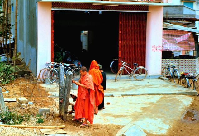 Quang Ngai Monks - Các nhà sư
