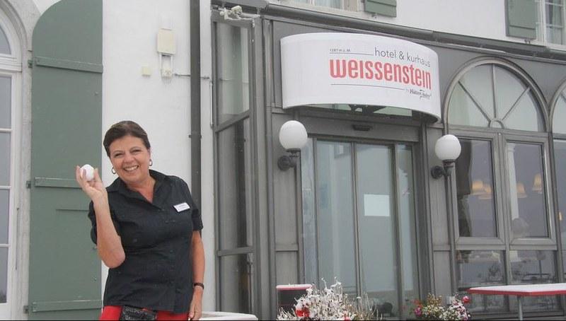 Dorli with snowball Weissenstein