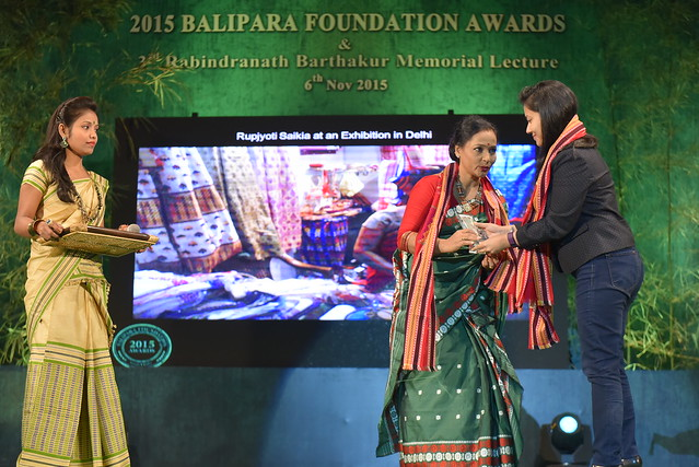 Ms. Rupjyoti Saikia Gogoi, Winner of 2015 Naturenomics Award receiving the Award from Ms. Tanushree Hazarika
