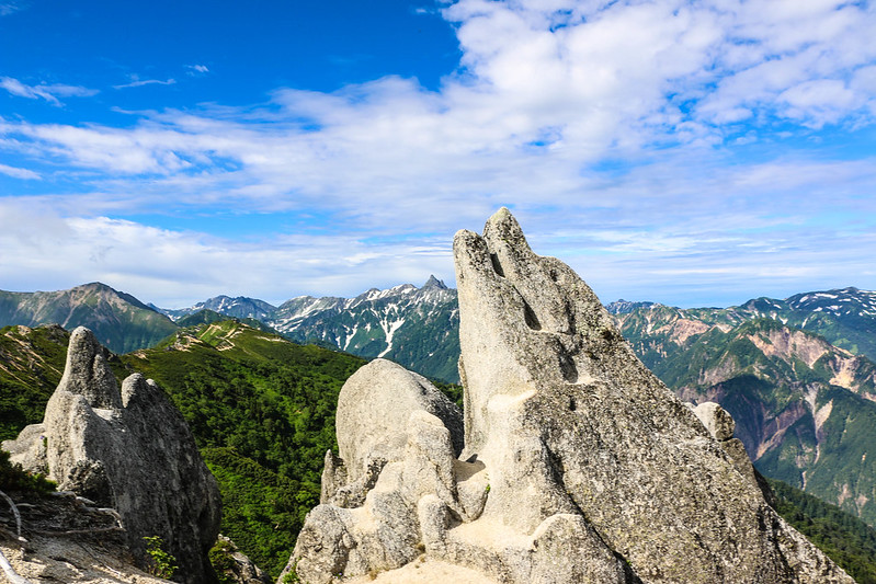 燕岳のイルカ岩