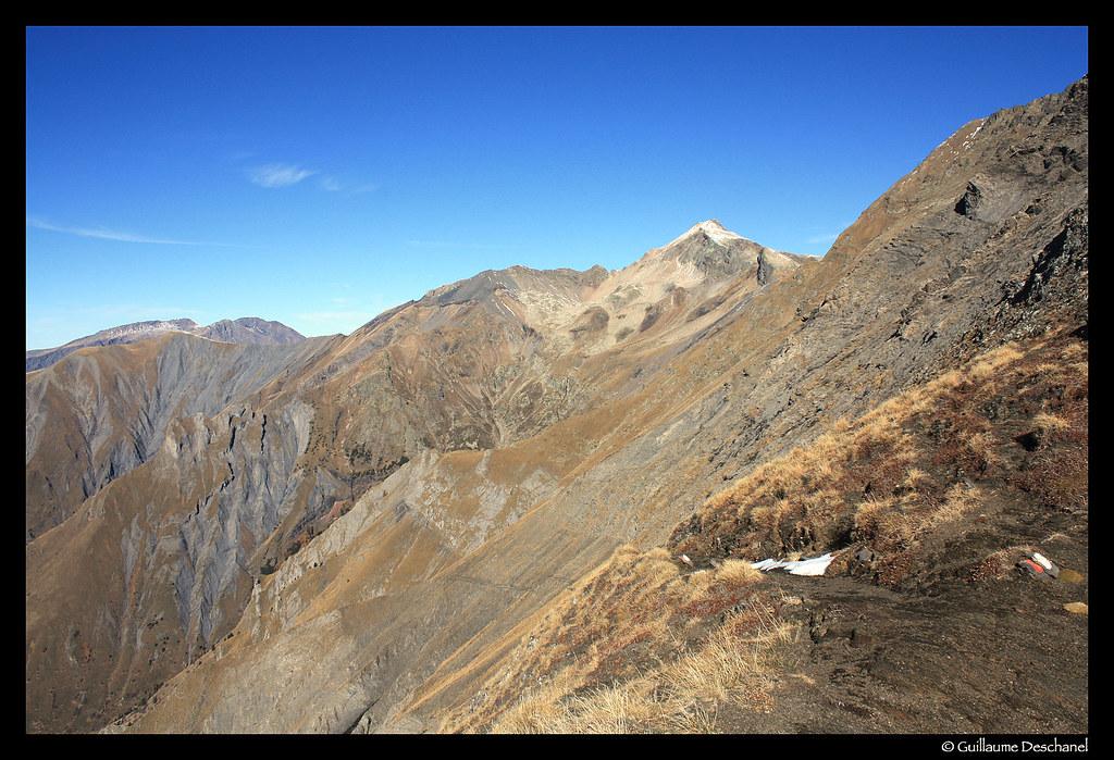 Vue vers la Brèche du Perrier depuis le Col de la Romeïou