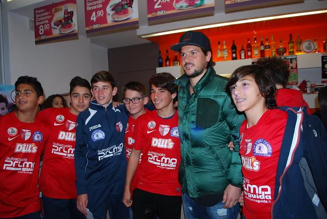 Rutigliano-Maniero con i ragazzi delle scuole calcio rutiglianesi - foto Gianluca Giugno (1)