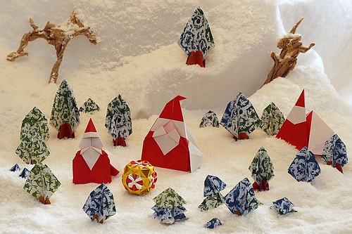 Origami Santa Claus (Yukihiko Yamaguchi) - Origami Santa Claus (Naoto Horiguchi) - Origami Santa Claus for Artist Trading Cards (Hideo Komatsu) - Origami Tree (Toshikazu Kawasaki) - Origami Trunk (Yoshio Tsuda)