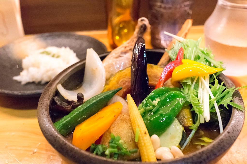 Rojiura Curry SAMURAI.下北沢店、パリパリチキンと20品目の野菜