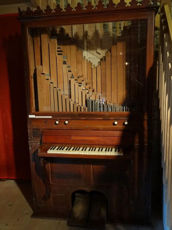 Le muséee suisse de l'orgue (en Suisse)  20519915724_67e4309902_c