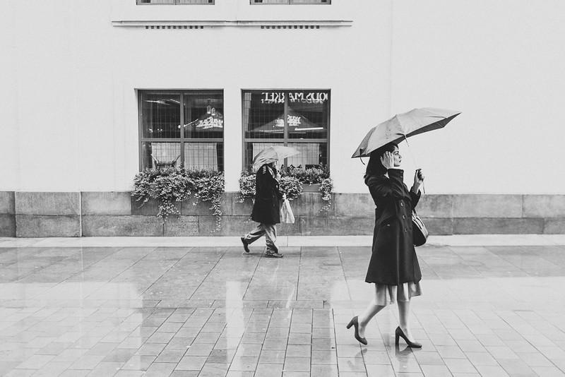 {errands in the rain} via chevrons & éclairs