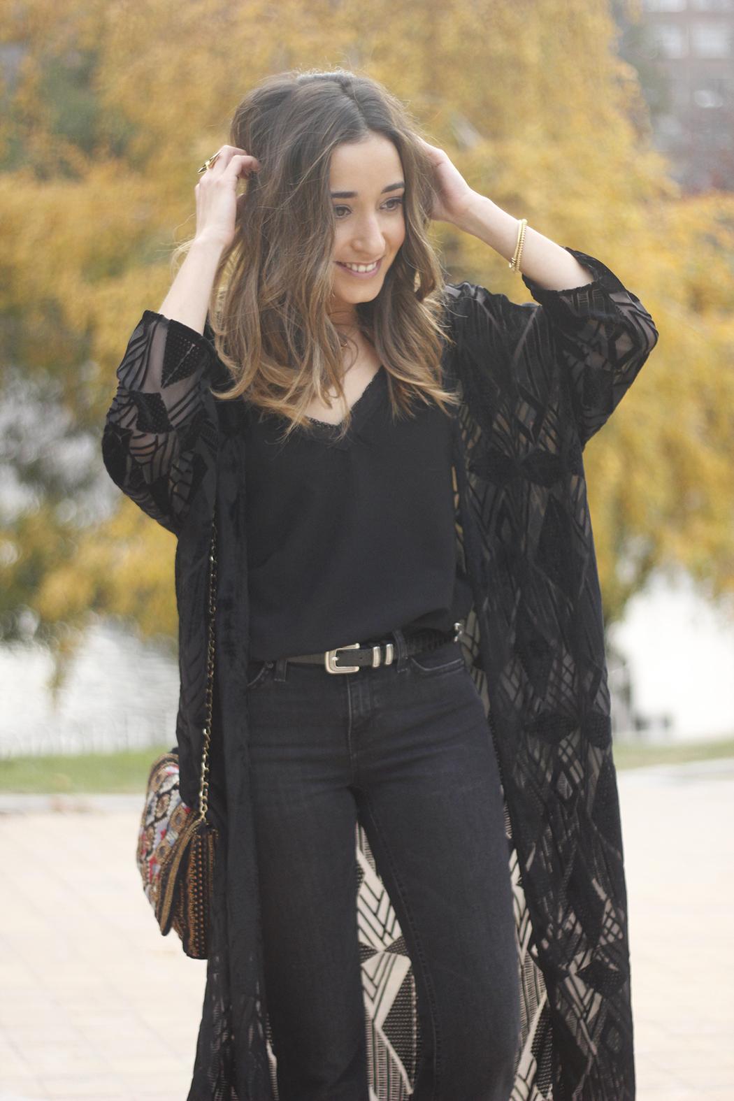 Black Kimono Black flared jeans outfit21
