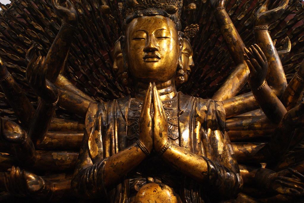 Statue religieuse dans le musée des Beaux Arts d'Hanoi au Vietnam.