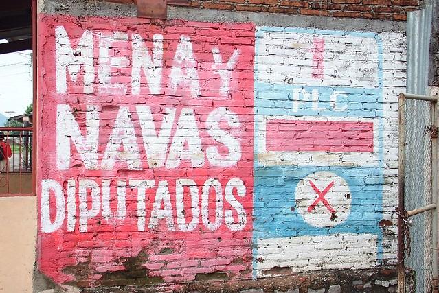 Political mural in granada nicaragua explore treffsie 39 s for Mural nicaraguense
