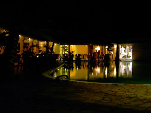 Le Tropical Hotel Nov 2004