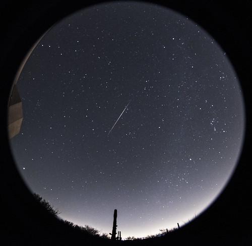 Bright early Geminid meteor over Tucson AZ