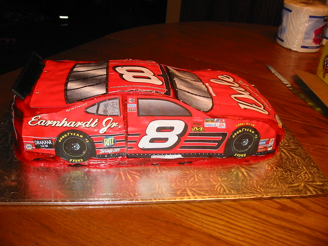 NASCAR Cakes http://www.flickr.com/photos/angelcakes/342655700/