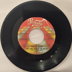 DOROTHY MOORE:JUST CAME APART AT THE DREAM(RECORD SIDE-A)