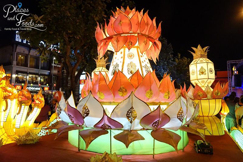 chiang mai loy krathong celebration day 1 huge krathong lantern