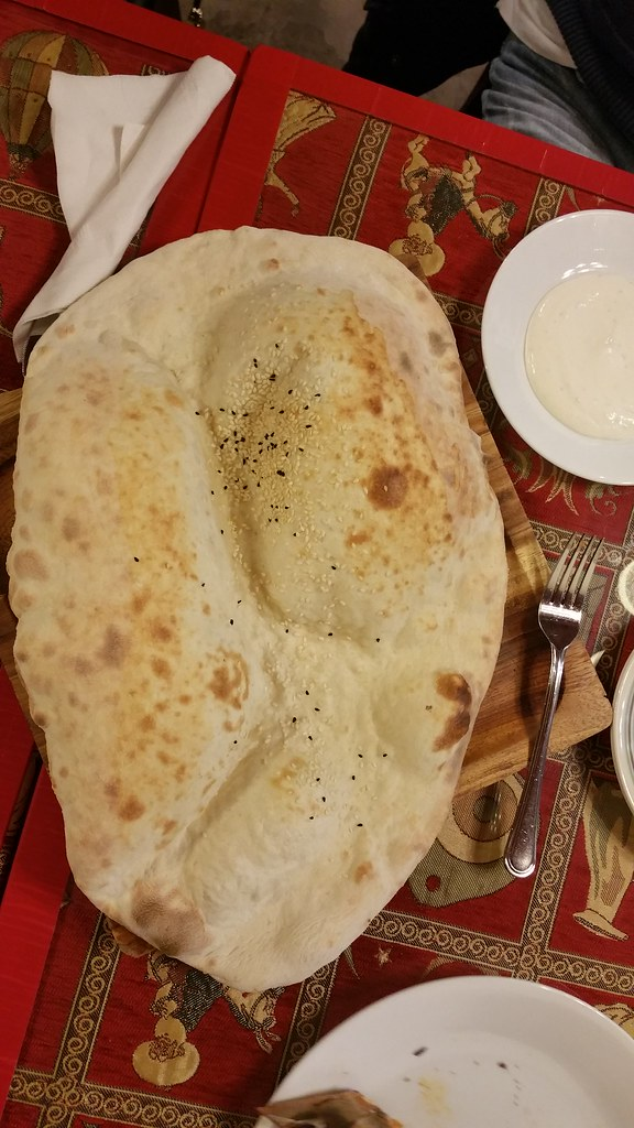 2015-Nov-20 Anatolia's Gate lavash (medium - $4)