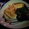Firade Lasse i lördags med att äta ute. Gott gott Black&White med bea och portvinsås himmelskt gott.