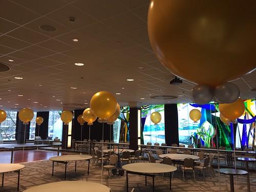 Cloudbuster Rond Goud Hilton Hotel Rotterdam