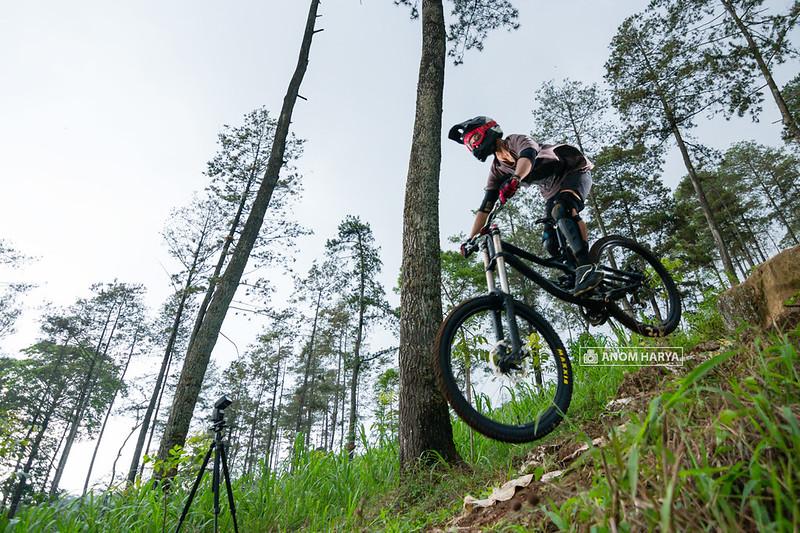 Jalur Downhill di Pacet - Jawa Timur