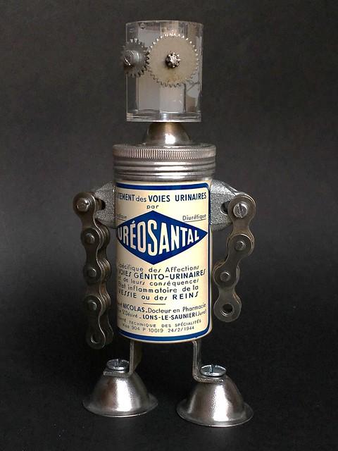 Scrap metal robot Ureosantal