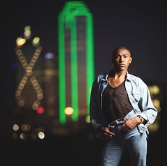 @ca_averyyy wanted the Dallas skyline in some of his Senior Portraits, so we finished his session after sunset when the city lights turned on. I love his style! 🌃 . .  . . . . . #senior2017 #seniorphotography #modernsenior #portraitmood #senior