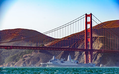 Golden Gate, ship, and crazy parasailor