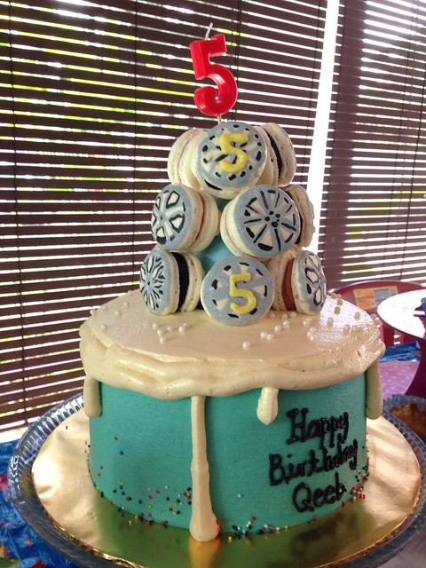 Cake by Le Choutte Macaron
