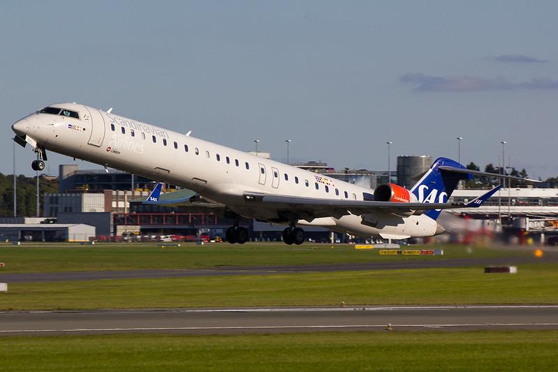 SAS - CRJ9 - OY-KFI (1)