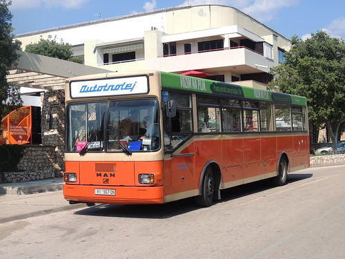 buses coaches croatia avtomontaža man sü220 autotrolej