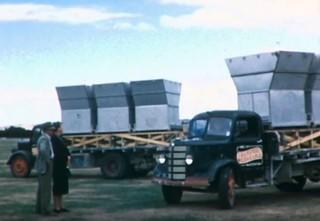1954 NZ5904 Topdressing trials, Hood Aerodrome - Hoppers swapped