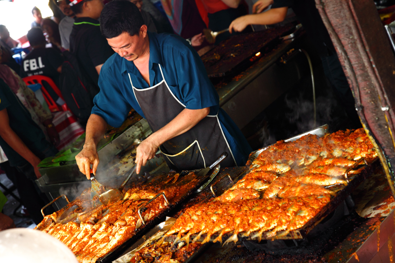 Grilling-Fish-Kampung-Baru