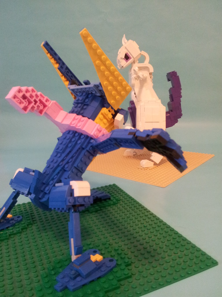 Mewtwo Vs Greninja Title Says It Best Lego Mewtwo And Le Flickr