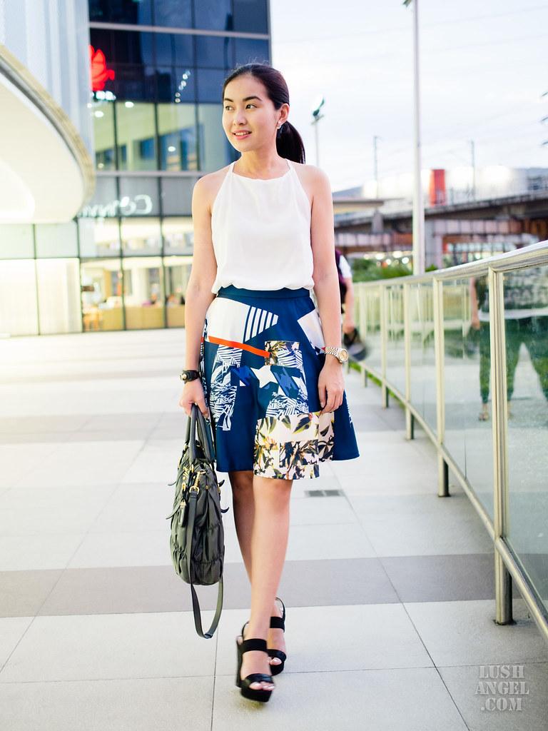printed-knee-length-skirt