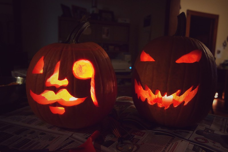 Day 38 Our jacks! Mine on the left, Shaun's on the right. #pumpkins #halloween #jackolantern #100HappyDays