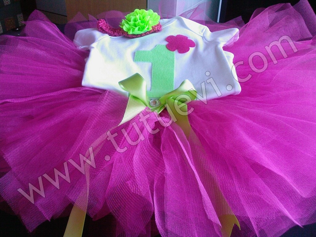 Selin Hanımın Prenses kızı Melisanın tütü takımı hazır, mutlu günlerde giymesini diliyoruz.