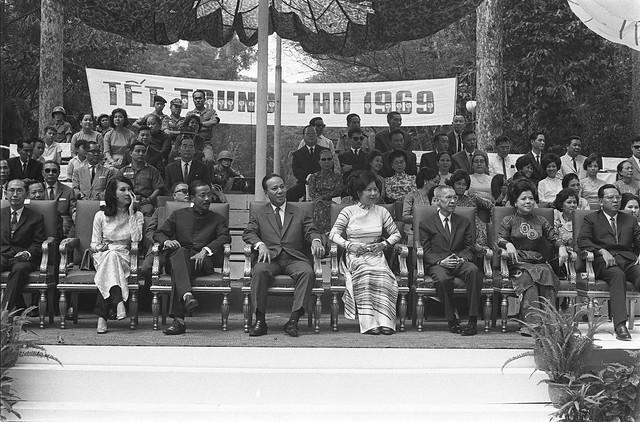 SAIGON 1969 - Tết Trung Thu trong vườn Tao Đàn (26/9/1969)