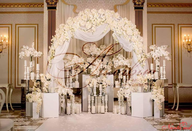 Cвадебное агентство «Айлавью»  > Фото из галереи `Cказочные орхидеи могут стать основой вашего свадебного оформления.`