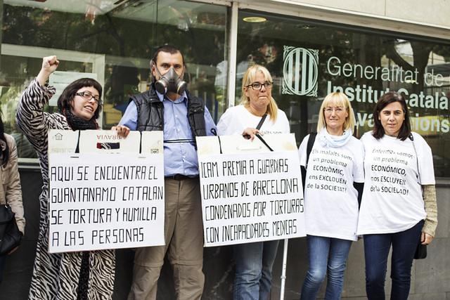 Roda de premsa de suport a Natividad López davant la seu de l'ICAMS