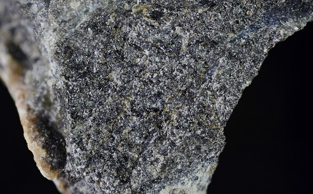 potassic-ferro-sadanagaite1