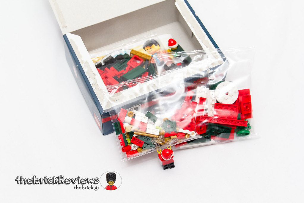 ThebrickReview: Christmas Train - 40138 - Limited Edition 2015 23423339070_f4b9d4438f_b