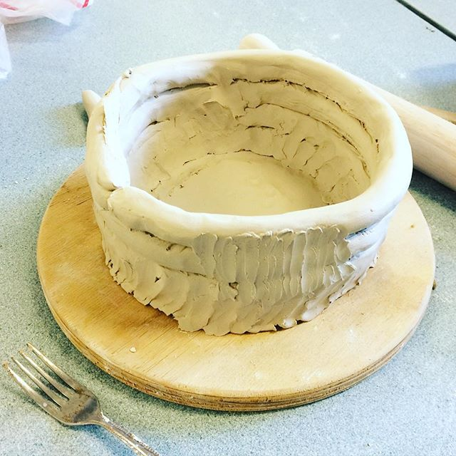 Monday therapy #clay #coilpot #pinestreet