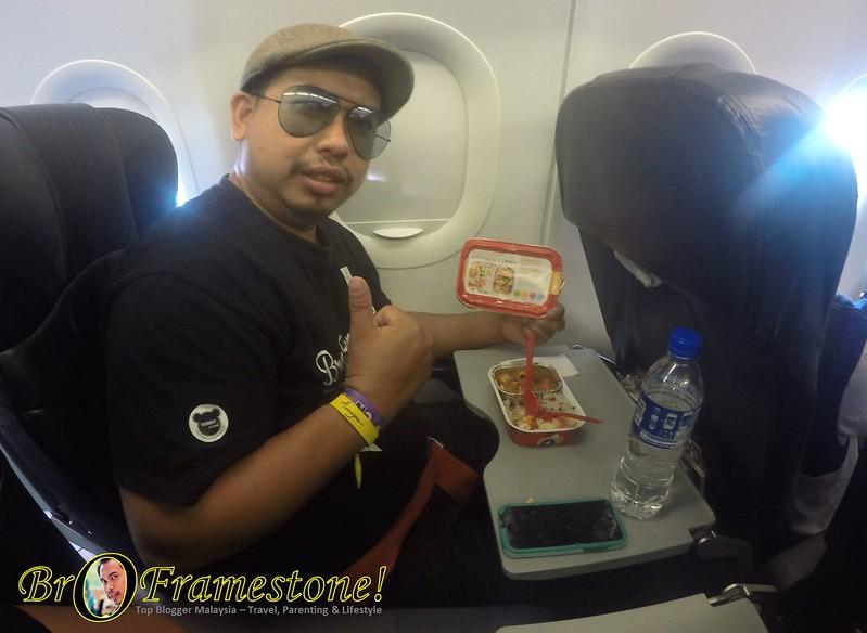 Nasi Dagang + Kari Ayam dalam Penerbangan AirAsia