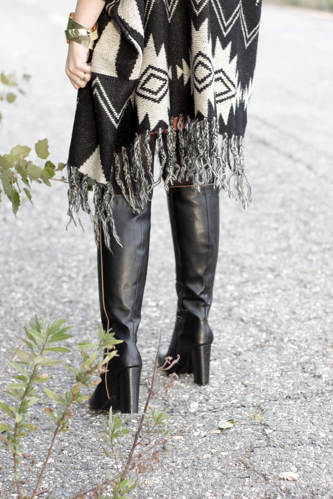 Poncho e stivali overknee dressing&toppings
