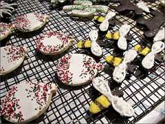 Bees and ornament cookies