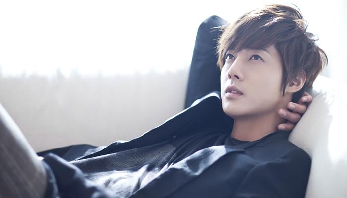 Resultado de imagem para kim hyun joong namorada