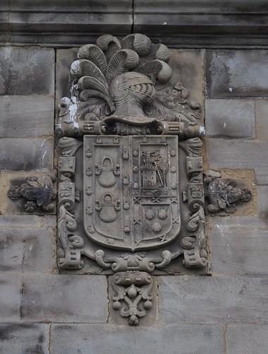 Vega de Villafufre. (Villafufre-Cantabria). Barrio de La Canal. Convento de concepcionistas franciscanas. Armas de Herrera, Miera y Concha