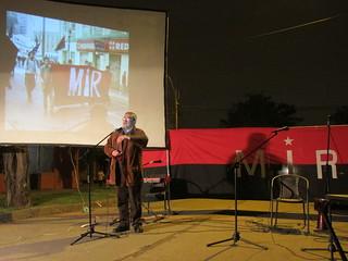 El secretario general del MIR, compañero Demetrio Hernández, da las palabras centrales en el acto por Miguel Enríquez.