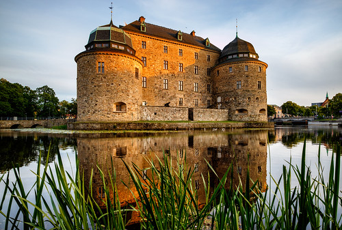 sunset summer sun castle set architecture canon eos se is sweden outdoor sverige stm m3 solnedgång örebro slott efm örebrocastle örebrolän örebroslott canoneosm3 canonefm11224556isstm 11224556
