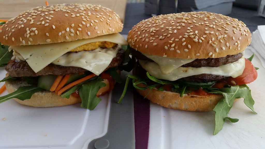 "#hummercatering #tag 2 = noch einmal 1000 #Burger.  #Garant #rheda-wiedenbrück #A2Forum #mobile #bbq #grill #Burger #Event #Kongress #Messe #Business #Catering #service  http://goo.gl/lM2PHl • <a style=""font-size:0.8em;"" href=""http://www.flickr.com/photos/69233503@N08/22453724108/"" target=""_blank"">View on Flickr</a>"
