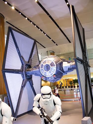 Changi_Star_Wars_The_Force_Awakens_09