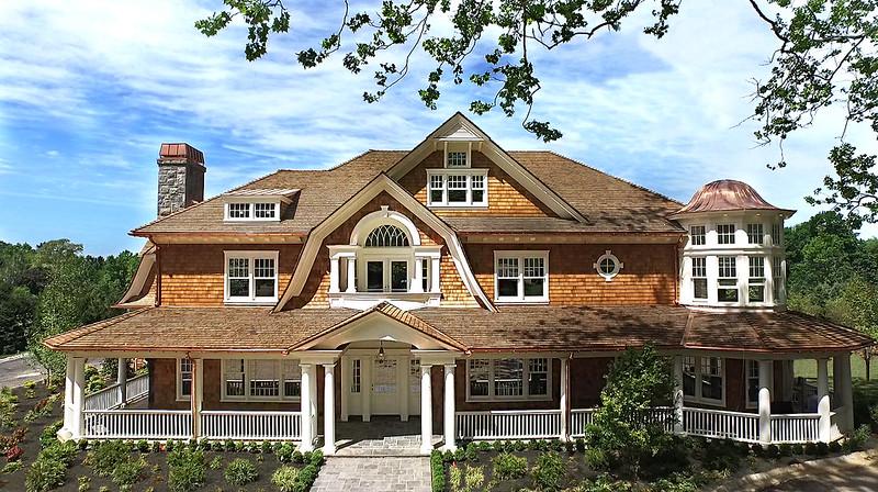 Красивый дом в Нью-Йорке близ Манхэттена